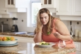 Tips for Reducing Calories without Feeling Hungry